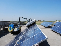 Manutenzione e pulizia di pannelli solari